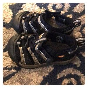 Keen toddler water shoes